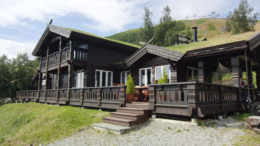 Luxurious Large Cabin in mountain resort - Voss - Cabaña