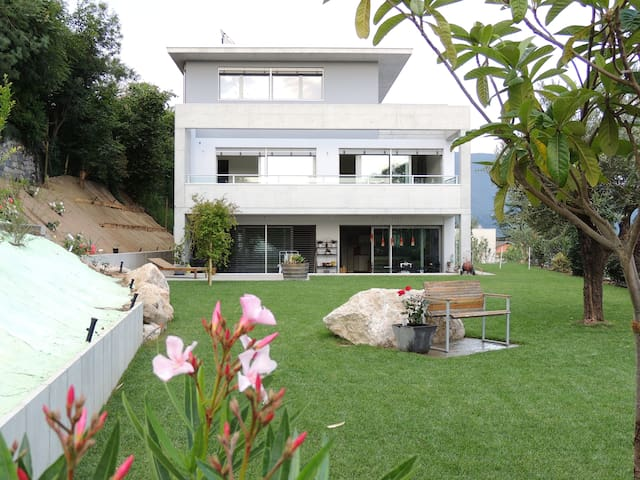 Mte San Giorgio, beautiful place to relax and walk - Tremona - Apartamento