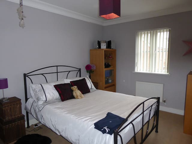 Newly Decorated Double Room - Angmering - Casa