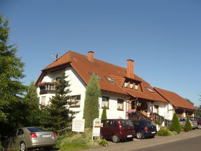 Gästezimmer Höchemer - Bad Bocklet - Bed & Breakfast