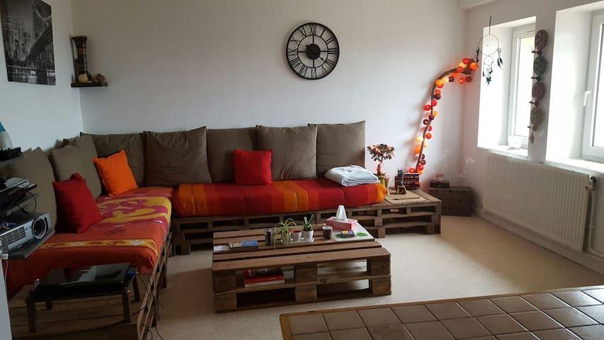Appartement dans un petit village - Bessenay - Departamento