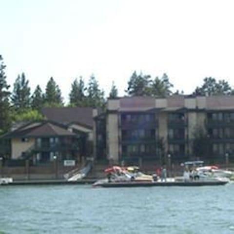 July 4th Lakefront 2 BR condo - Big Bear Lake - Apartamento