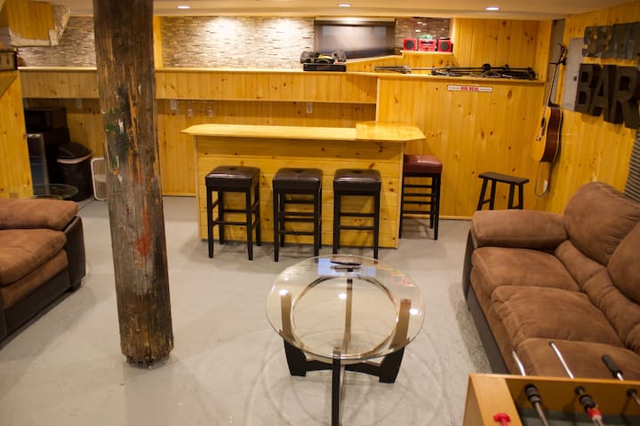 Sean's Bar - Your Own Bar & Private Apartment - Winchester - Daire