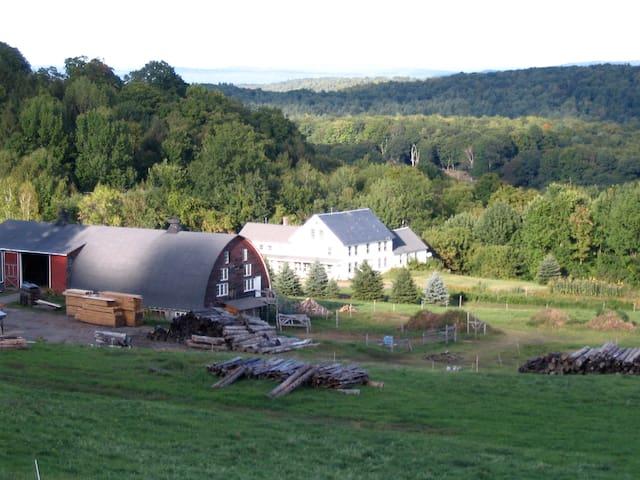 Sunrise Farm, Brattleboro Farm-stay - Guilford - Leilighet