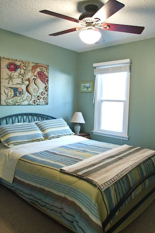 Comfortable Downstairs Bed and Bath - St. Augustine - Bed & Breakfast