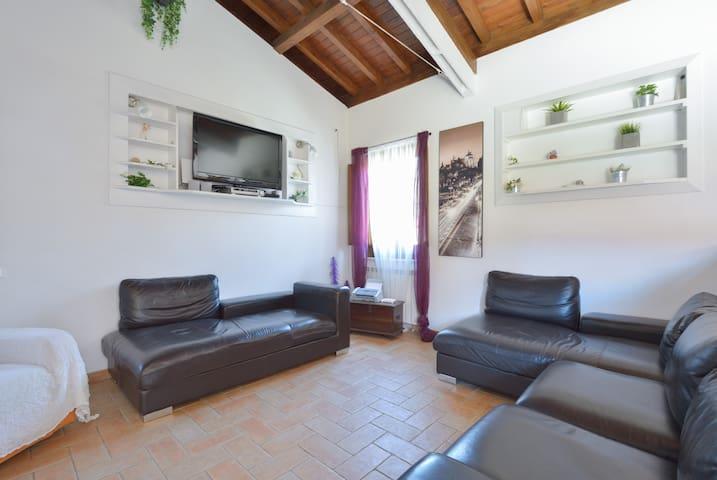 Rome Holidays Resort 10 - Airport - Piana del Sole - Huis