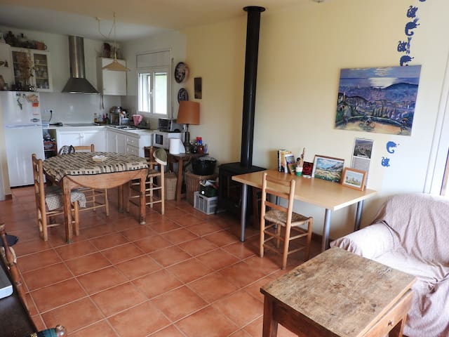 Charmming house, with views and garden! - Colomers - Huis