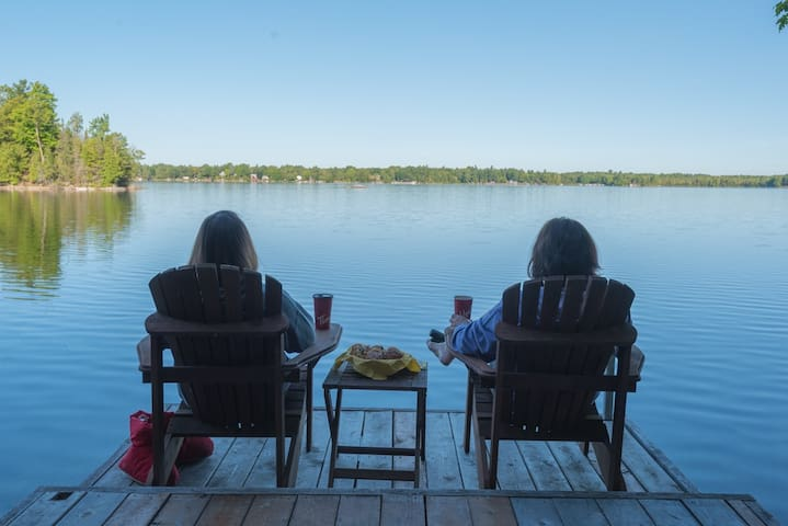2-Bedroom Lakefront Cottage on Otty Lake - Perth