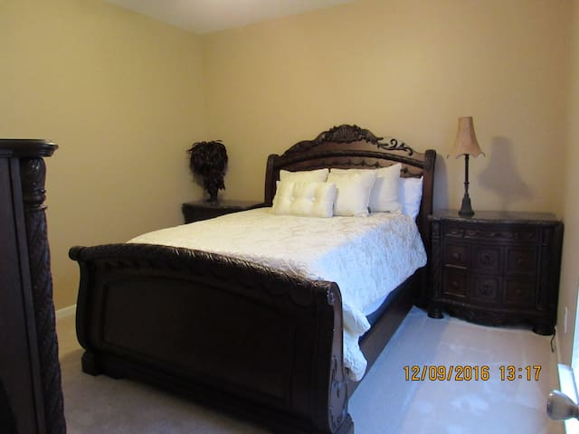 Warm, friendly, modern home near Birmingham - Trussville
