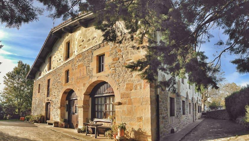 Casa Rural con encanto Areano - Eskoriatza - Bed & Breakfast