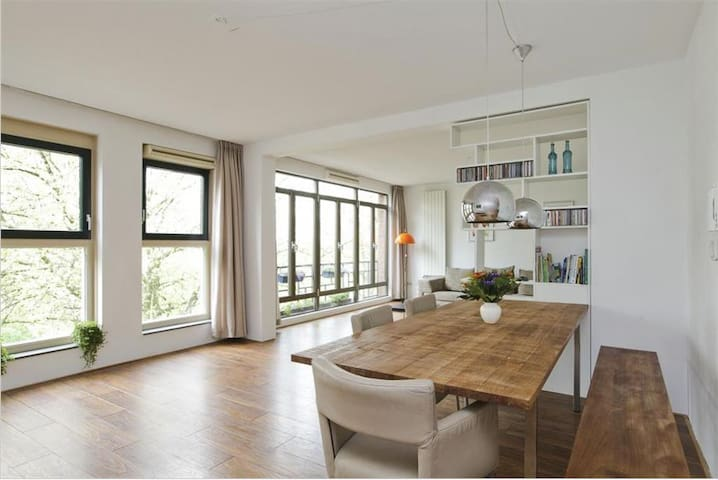 Large Apartment Near Metro - Rotterdam - Leilighet