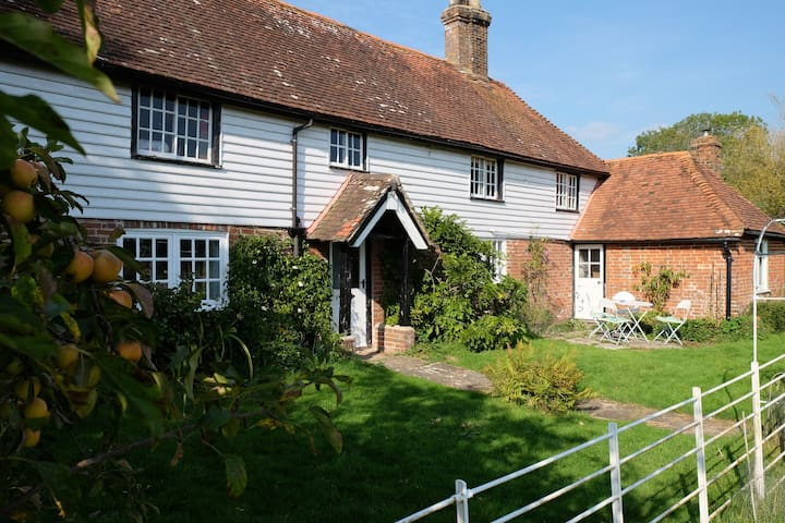 Beautiful airy Sussex country house - Bines Green - Rumah