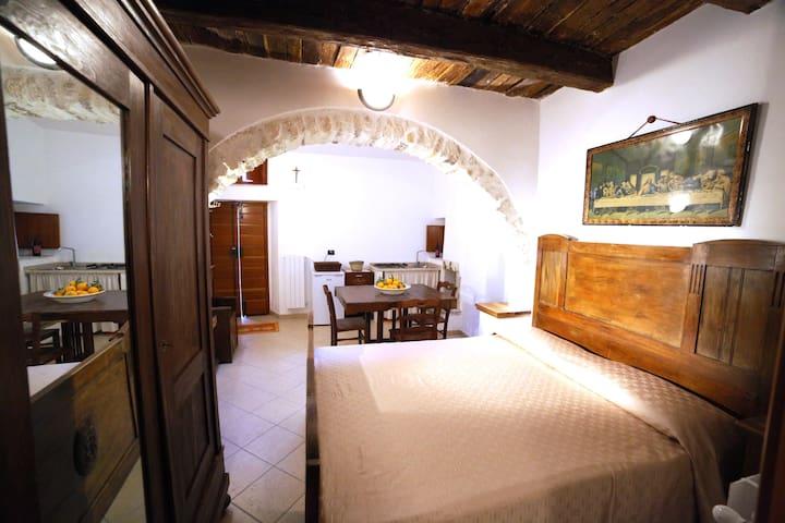 Al Borgo Antico bedroom apartment 4P Vico del Garg - Vico del Gargano - Casa