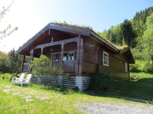 Cosy chalet, 100m2  with fjordview - Lauvstad