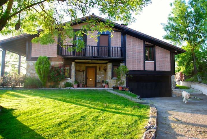 4habitaciones en casa individual - Vitoria-Gasteiz - Huis