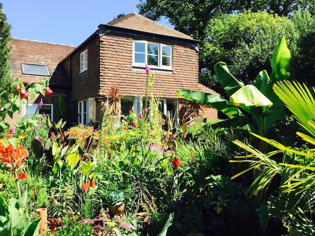 Stunning Victorian Game Keepers Cottage - Westfield - Hus
