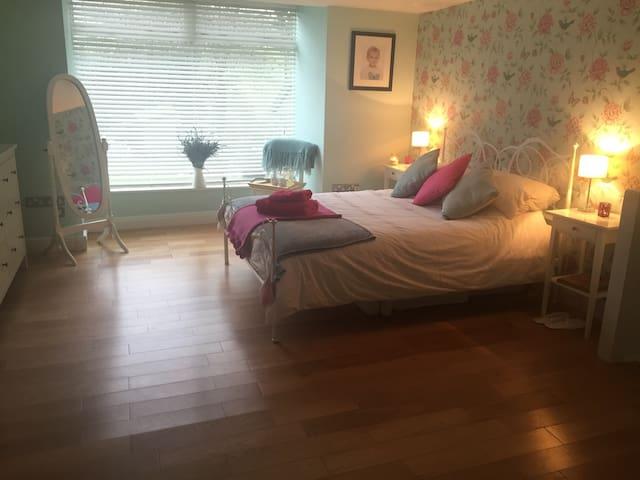 Luxury Peak District King Size Room with Breakfast - High Peak - Huis