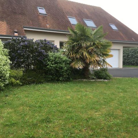 Chambre dans maison proche de Caen - Saint-Contest - Ev