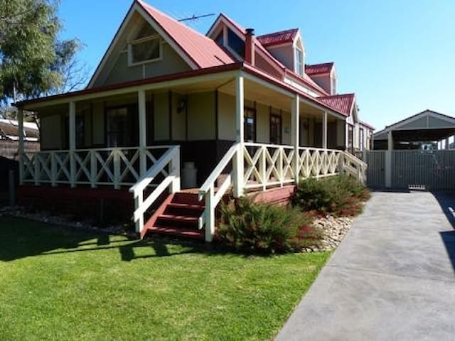 Wencliff Cottage - Phillip Island - Huis
