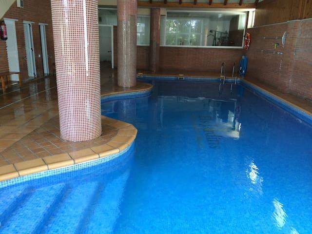 Cute Duplex indoor Swimming Pool - Granollers
