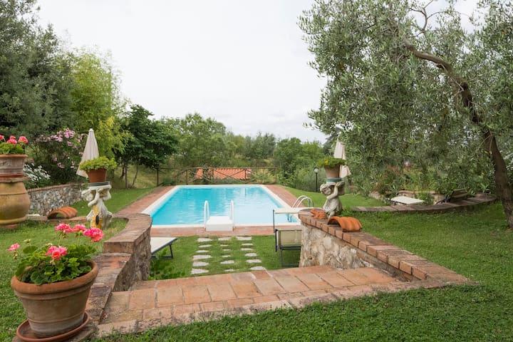 Cosy Farmhouse Apartment in Chianti - Stellino - Квартира