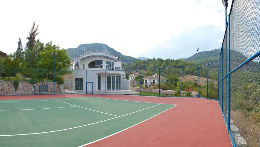 Racket House for tennis lovers - Kumluca