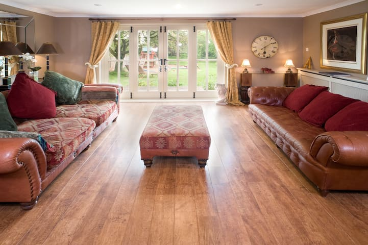 Luxurious 5 bedroom Farmhouse - Worcestershire - Huis