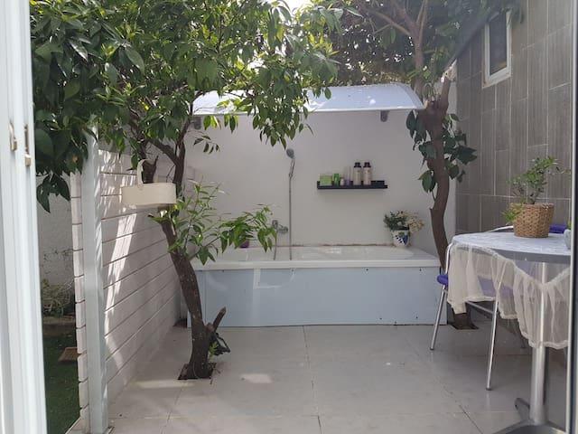 Studio Apartment in Ramat Hasharon - Ramat Hasharon - Gästhus