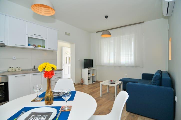 Brand New Sea Style Apartment - Tivat - Apartment