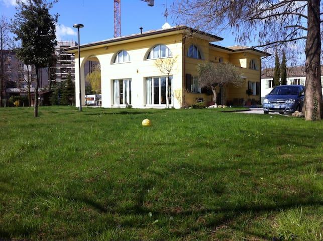 Villa San Leo B&B - Parma - Villa