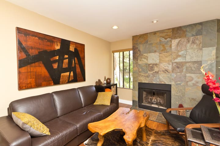 Elegant & Warm Modern 2BD 2BTH - Thousand Oaks - Apartemen