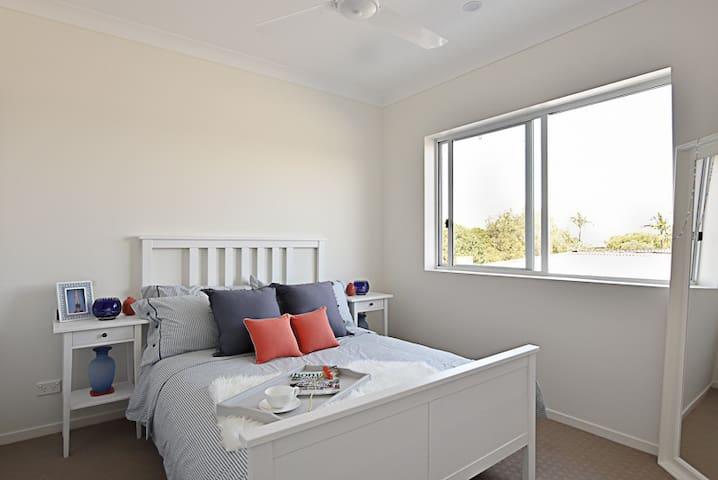 Fully contained one-bedroom apartment - Springwood - Huoneisto