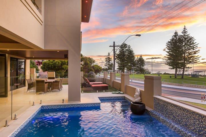 Beach Front Splendour 3 bed x 2 bath - Mullaloo - Ev