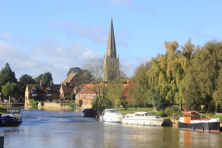 Private riverside accommodation in Abingdon - Abingdon - Gjestehus