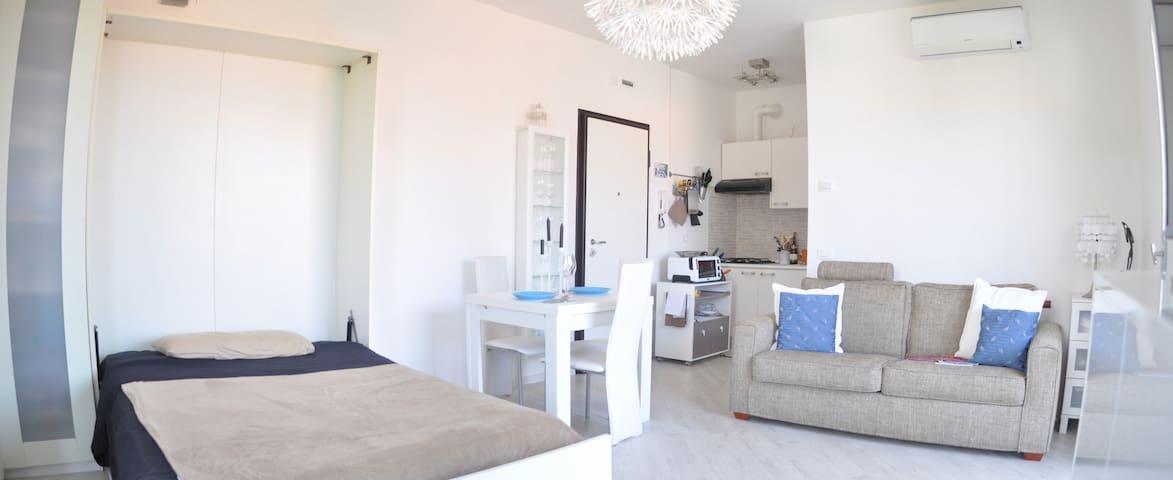 Apartment in tranquil area next to the Lake - Peschiera del Garda - Apartmen