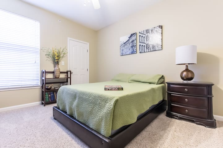 "Your ""Suite"" Home Away from Home - 캐럴턴(Carrollton) - 아파트"