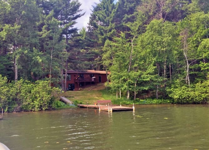 Gorgeous Minocqua Lake House - perfect for summer! - Woodruff - Dom