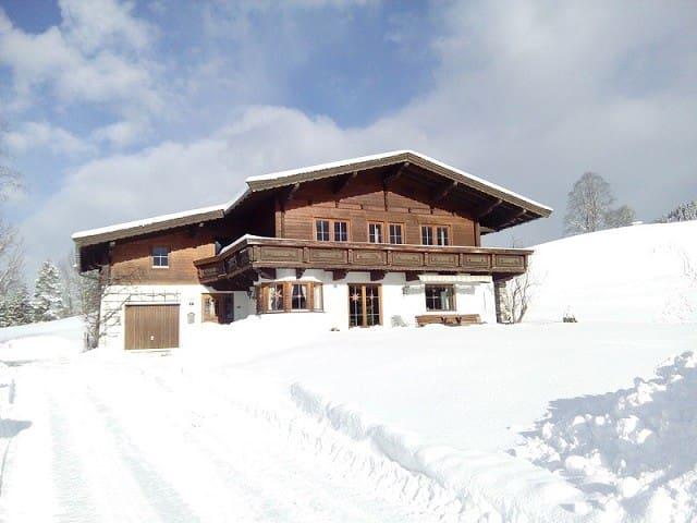 Idyllisches Landhaus in Tirol - Schwendt - Ev