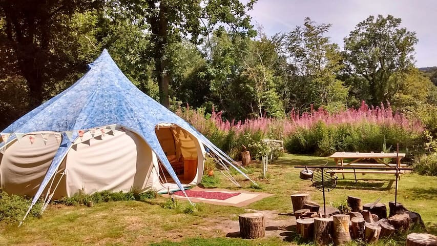 Lotus Belle luxury tent with hot tub - Llanishen