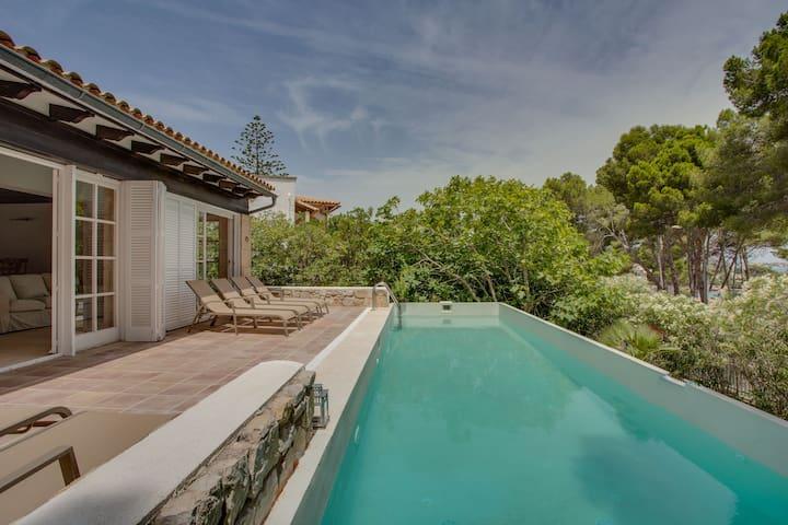 Villa Cala Padri | Seafront home - Provensals - Hus