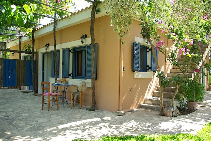 Apartments in a small paradise - Kamilari - Apartemen