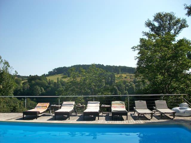 Périgourdine ensoleillée piscine - Thenon - Dom