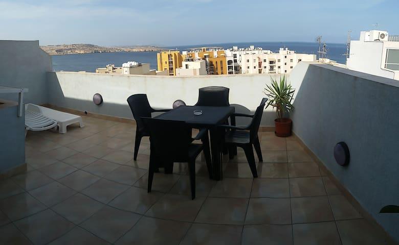 Seaview Penthouse-wifi(OFFER Nov-Mar stay 7 pay 6) - Bugibba, St Paul's Bay - Apartemen