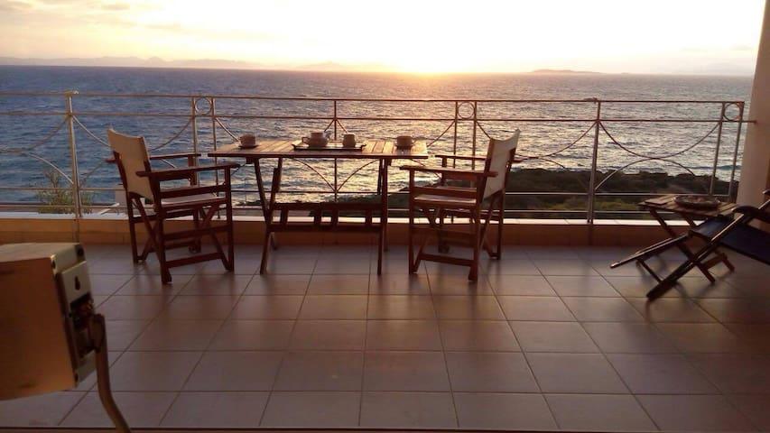 Scenic View Apartment by Saronida Beach - Saronida - Apartamento