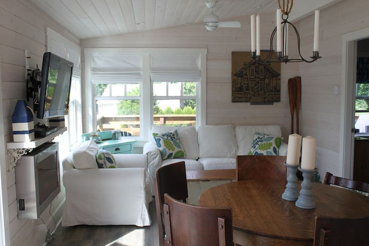 South Beach Seaview Cottage - Point Roberts
