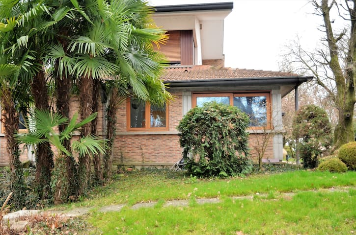 Nearby Padua: cottage with large private park - Campodarsego - Schoonfamilie