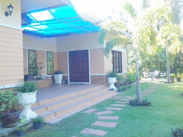 ANIE House, 1 Bedroom, 1.5 KM to the Beach - Choeng Thale - Casa