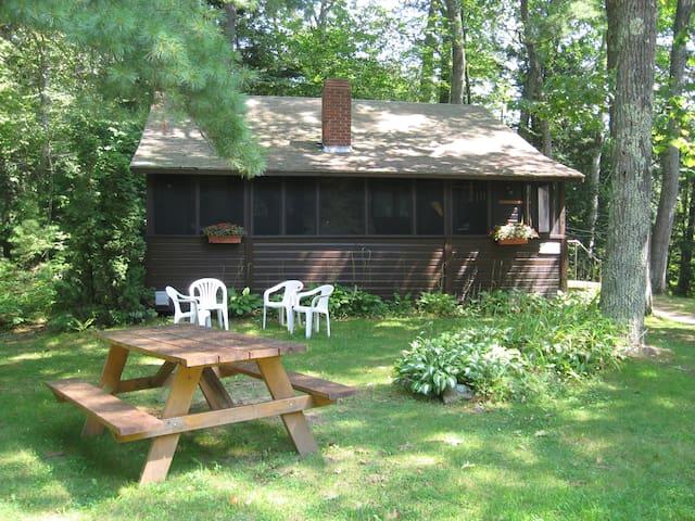 Lakeside cottage - 1 month minimum - Gilmanton Iron Works - Cabane