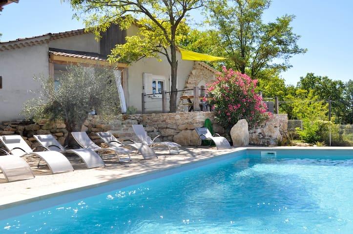 Maison avec piscine privée et une vue magnifique. - Barjac