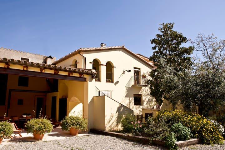 Old Barn - L'Armentera - Huis